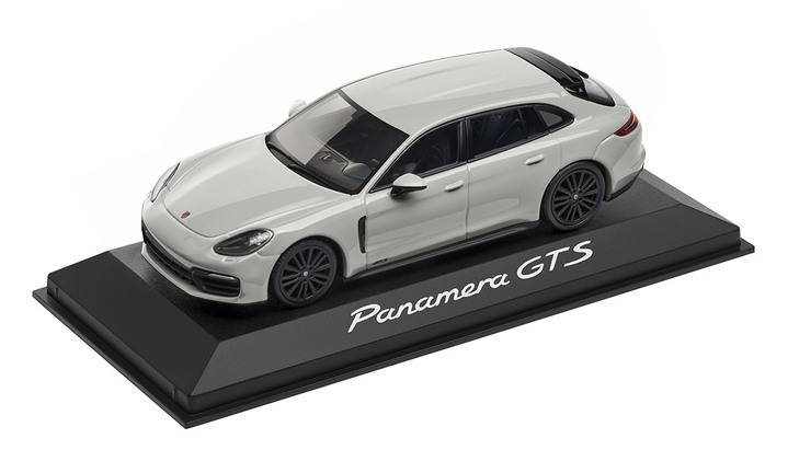 1:43 Model Car | Panamera Sport Turismo GTS in Crayon
