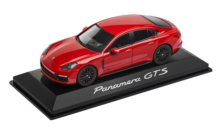 1:43 Model Car | Panamera GTS in Carmine Red