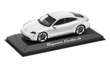 Taycan Turbo S, 1:43